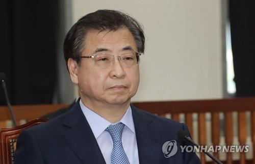 9月4日,在韩国国会,国家情报院院长徐薰在情报委全体会议上进行汇报。(韩联社)
