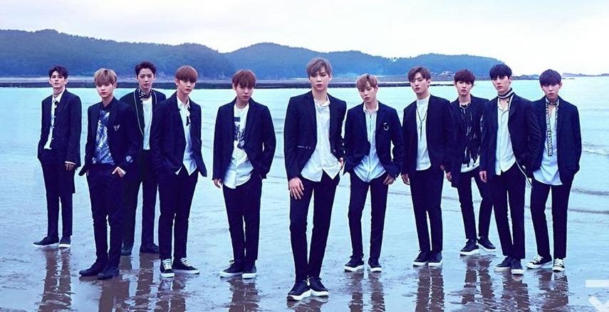 Wanna One团体照(官方脸谱)