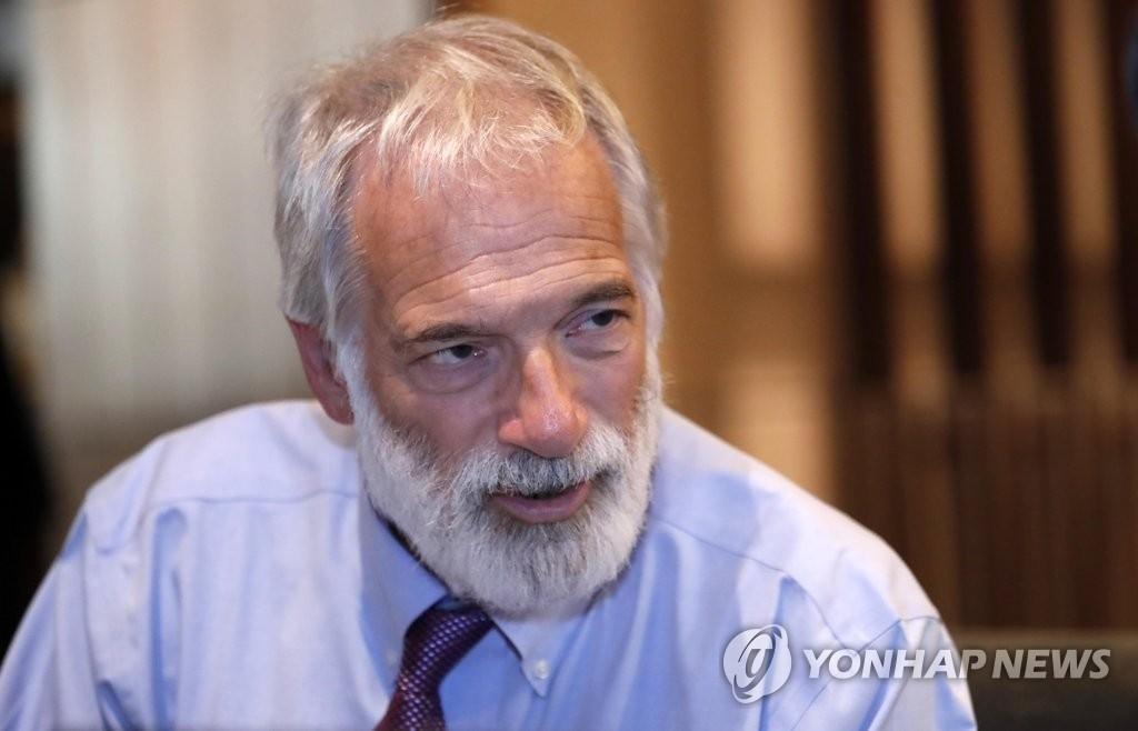 """美对朝""""鸽派""""人士加卢奇:朝鲜和韩美应无条件对话"""