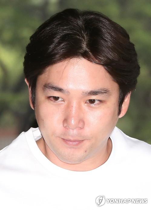 资料图片:SJ成员强仁(韩联社)