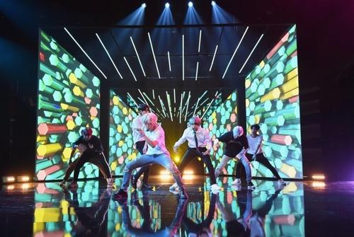 资料图片:防弹少年团的全美音乐奖彩排舞台。(韩联社/全美音乐大奖官方SNS提供)