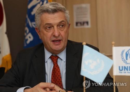 11月22日下午,在联合国难民署首尔代表处,联合国难民署高级专员菲利普·格兰迪举行记者会。(韩联社)