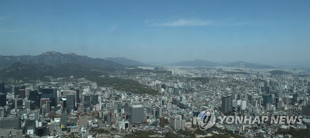 资料图片:从南山N首尔塔俯瞰的首尔全景(韩联社)