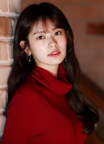 12月12日,在首尔三清洞的一家咖啡厅,演员郑素敏接受韩联社专访。(韩联社)