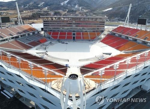 举行冬奥开幕式和闭幕式的平昌奥运广场(韩联社)