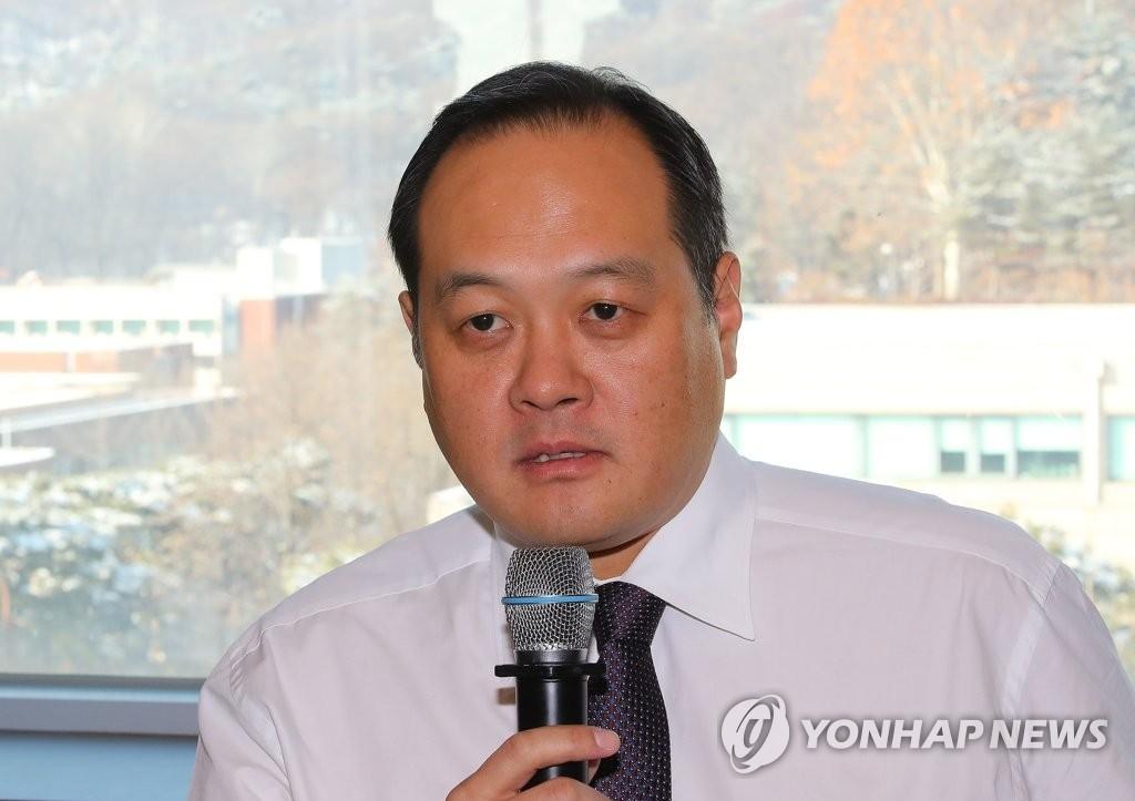 资料图片:平昌冬奥会韩国体育代表团团长金志容(韩联社)