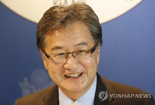 资料图片:美国国务院对朝政策特别代表约瑟夫·尹(韩联社/美联社)
