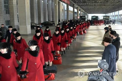 这是朝中社2月6日在官网刊发的朝鲜艺术团照。图片仅限韩国国内使用,严禁转载复制。(韩联社)