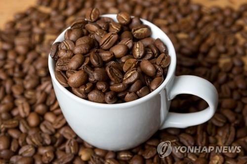 资料图片:咖啡豆(韩联社/德新社)