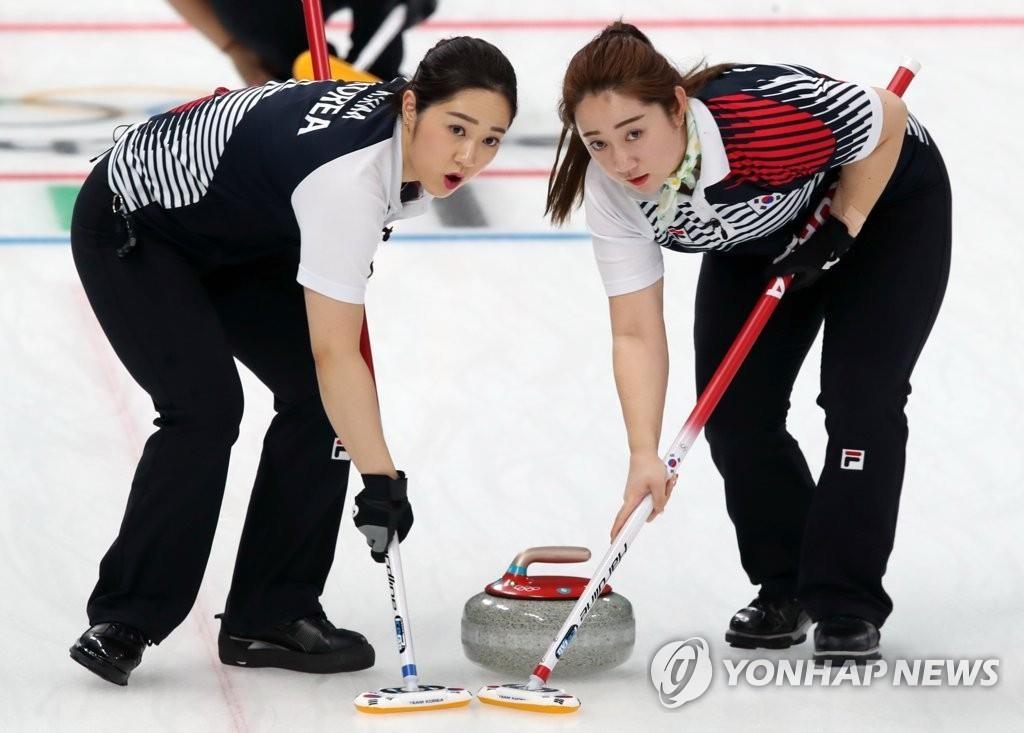 冬奥女子冰壶 韩国力克俄独立代表队锁定预赛第一