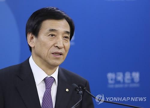 3月2日下午,在韩国银行总行,李柱烈召开记者会。(韩联社)
