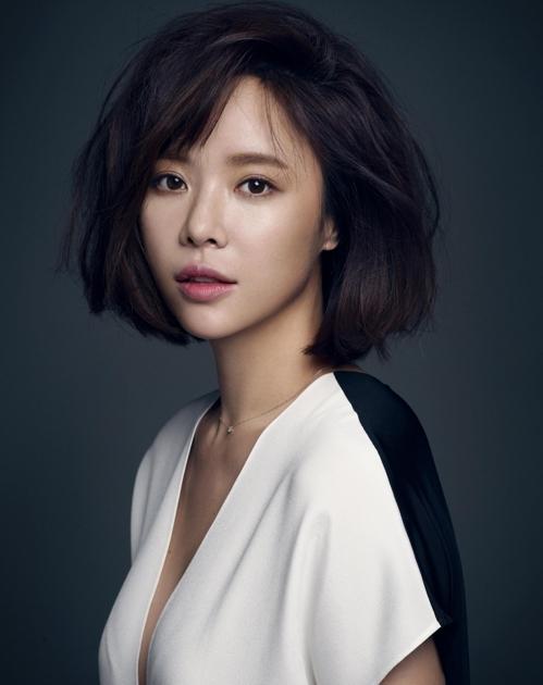 资料图片:演员黃正音(韩联社)