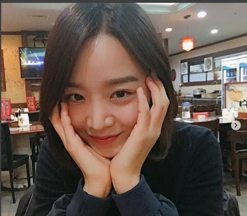 演员申惠善(申惠善Instagram截图)