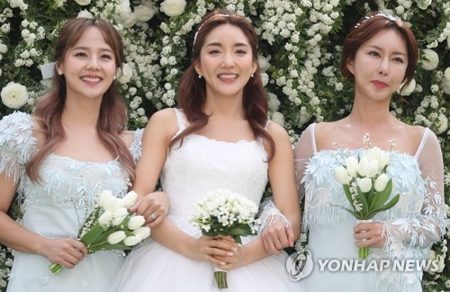 韩元老级偶像团体纷纷回归 激起怀旧情怀