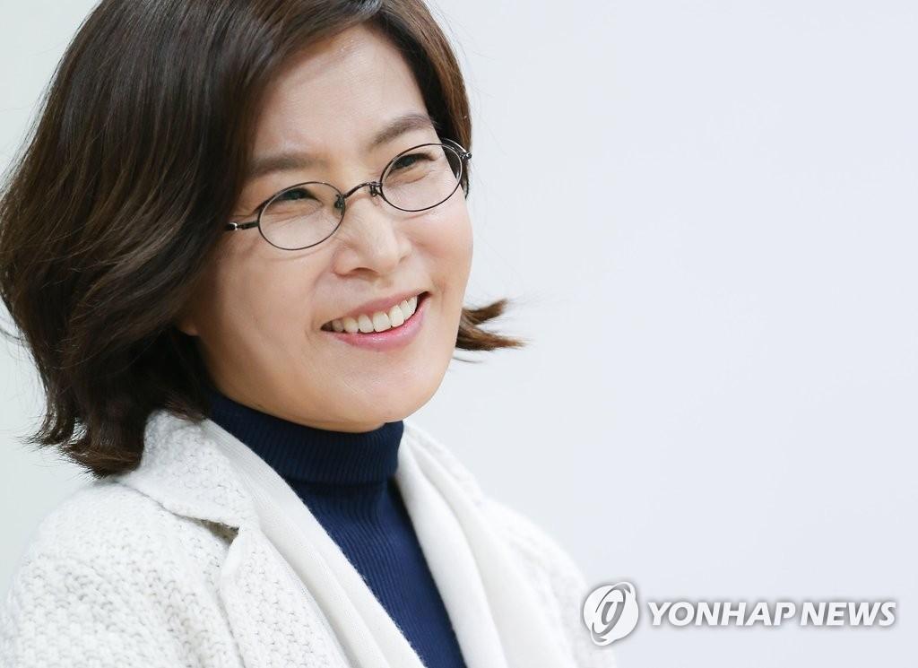 资料图片:歌手李仙姬(韩联社)