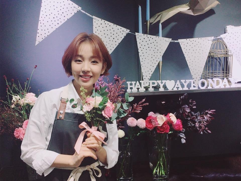 歌手白娥娟(官方脸谱)