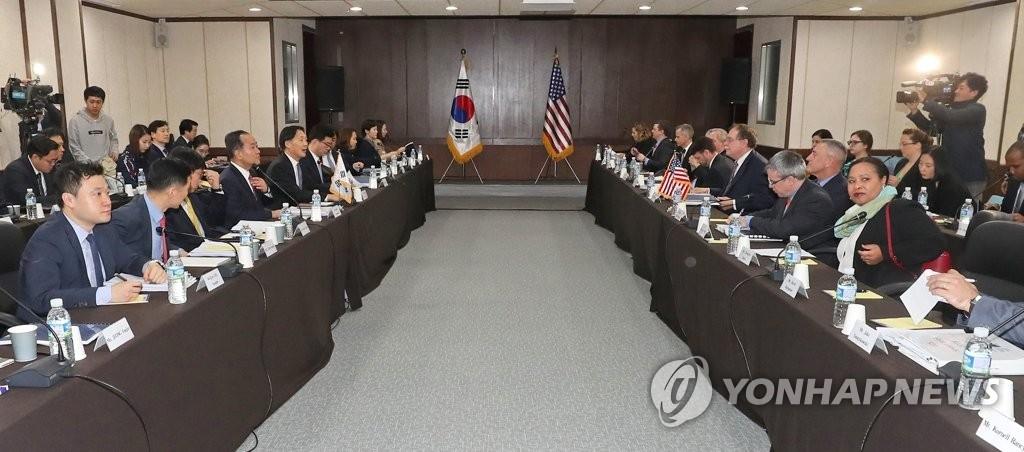 4月11日上午,韩美第10次防卫费分担第二轮谈判在济州国际和平中心启动。(韩联社)