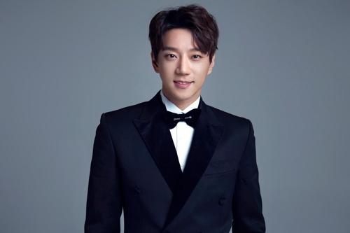 歌手黃致列(韩联社/HOW娱乐提供)