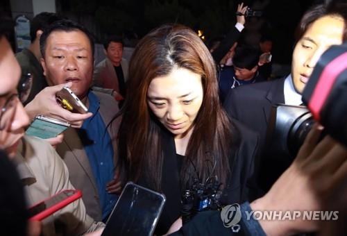 """大韩航空""""泼水门""""主角否认指控 警方拟提捕"""