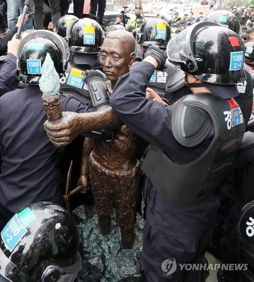 韩政府:强征劳工像应设在更有意义之处