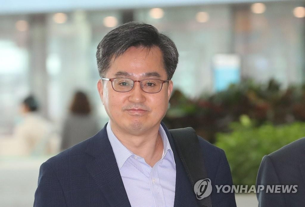 韩副总理:韩朝经济合作需与国际社会协商