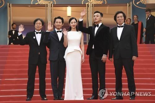 一周韩娱:《燃烧》戛纳首映爆红 朴有天婚事告吹
