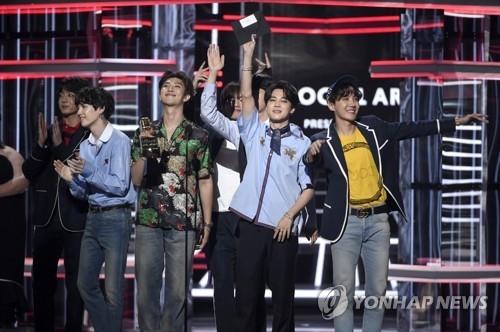 BTS连获公告牌年度最佳社交媒体艺人奖