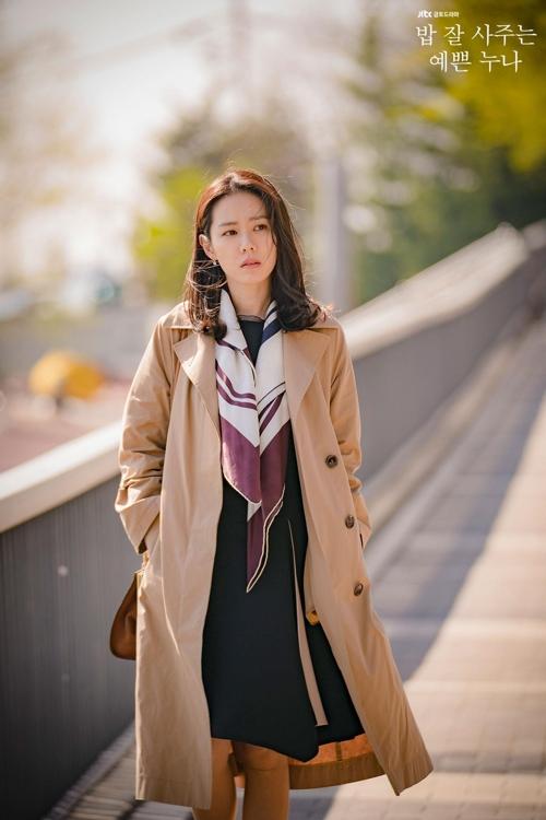 《经常请吃饭的漂亮姐姐》孙艺珍剧照(JTBC电视台)