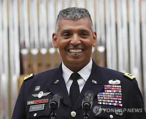 驻韩美军司令:金特会被推迟并非完全成泡影
