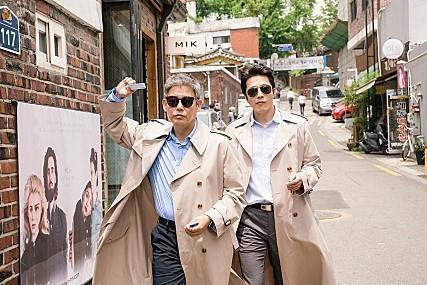 《侦探2》成东镒、权相佑剧照(CJ娱乐提供)