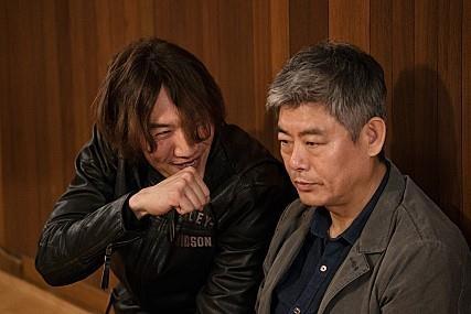 《侦探2》成东镒、李光洙剧照(CJ娱乐提供)
