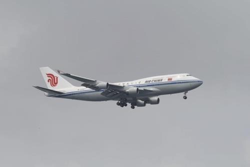 简讯:金正恩利用的中国专机从北京飞往新加坡
