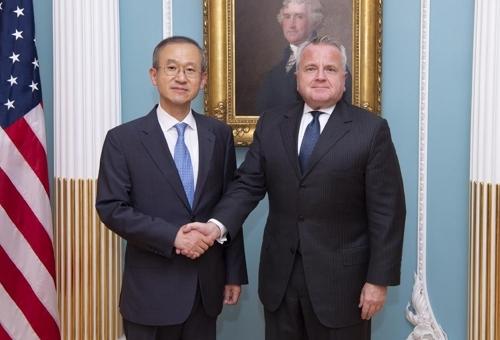 韩美副外长会晤共商落实金特会成果