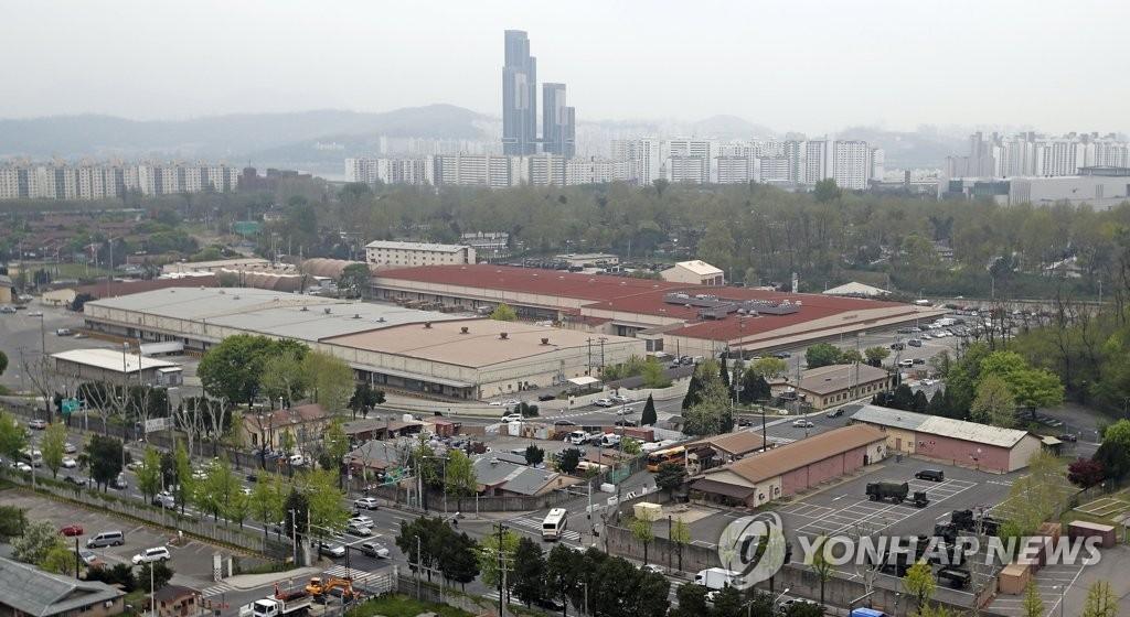 资料图片:这是驻韩美军龙山基地,图片摄于2017年4月。(韩联社)