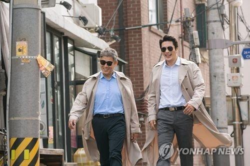 韩国票房:《侦探:回归》观影人数破200万
