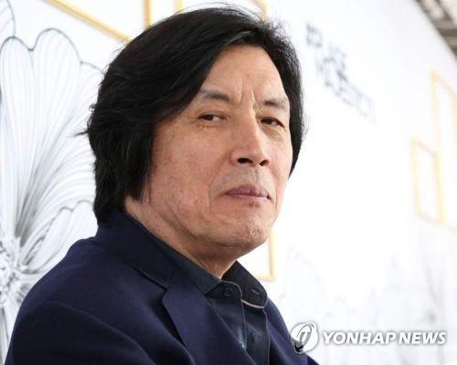 导演李沧东(制作公司PINEHOUSEFILM提供)
