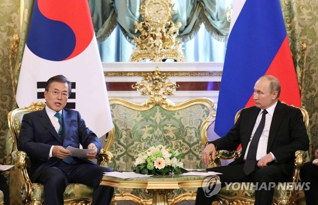 韩青瓦台:总统首脑会上照稿发言属外交惯例