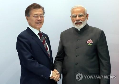 文在寅下周出访印度和新加坡