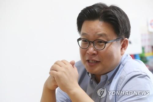 韩国国家形象宣传专家徐坰德在沪办展览