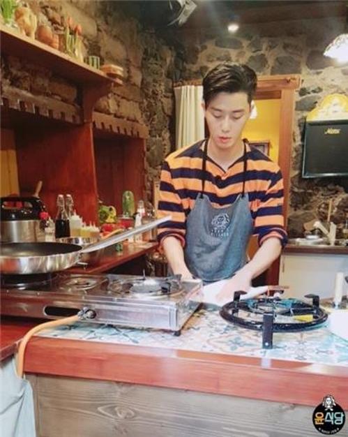 《尹食堂2》剧照(tvN电视台提供)
