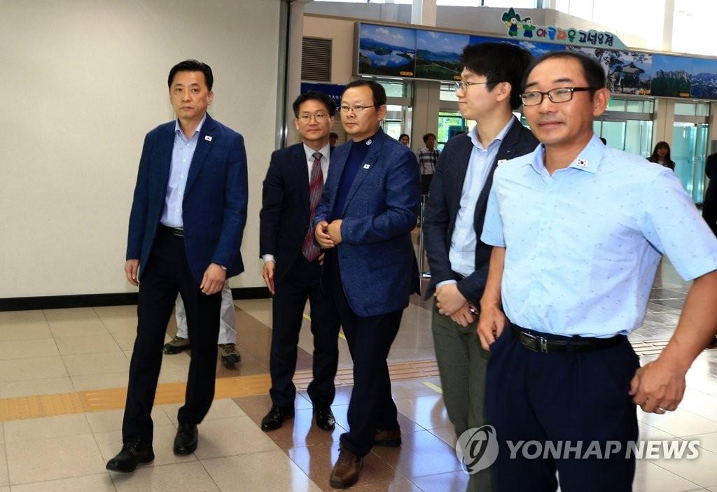 韩国派团访朝考察跨境铁路对接区段