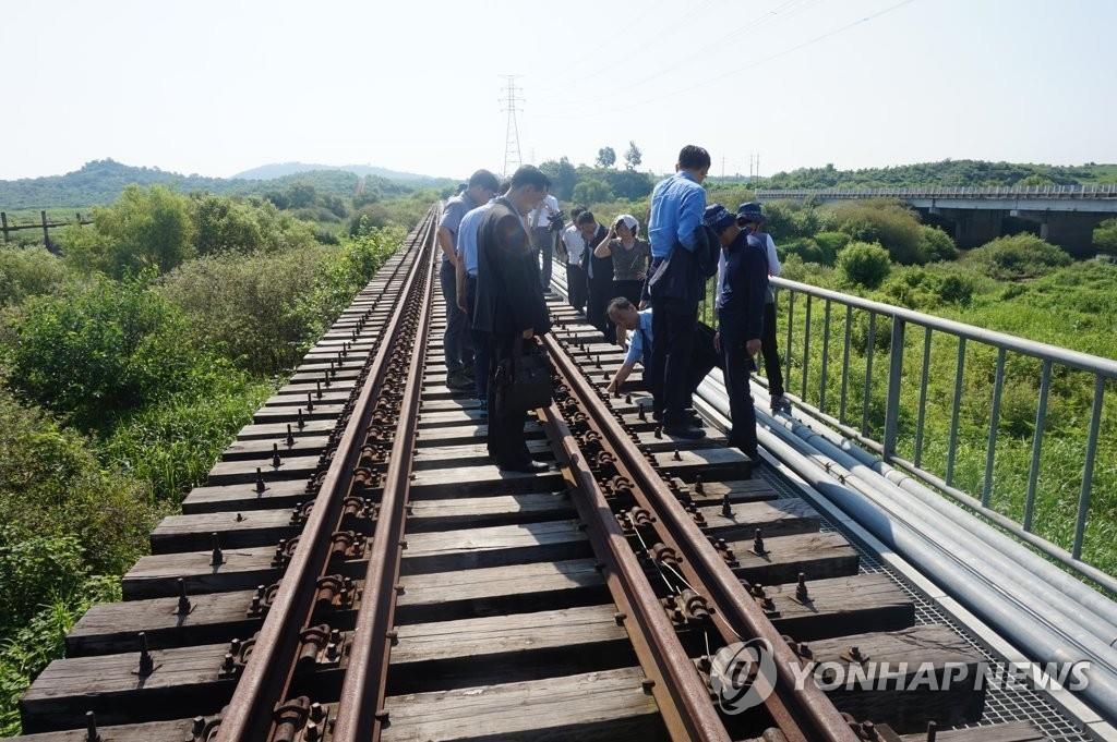 韩朝京义线铁路考察团:对接区段状态良好