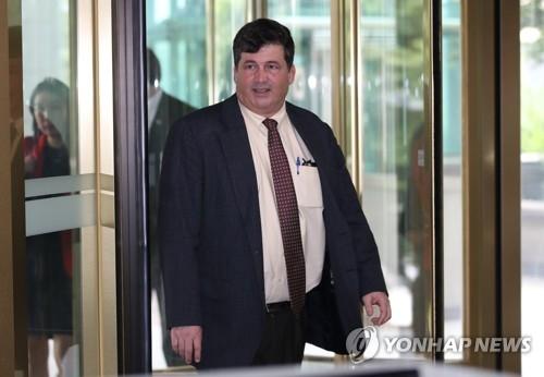 美高官访问韩外交部协调对朝政策