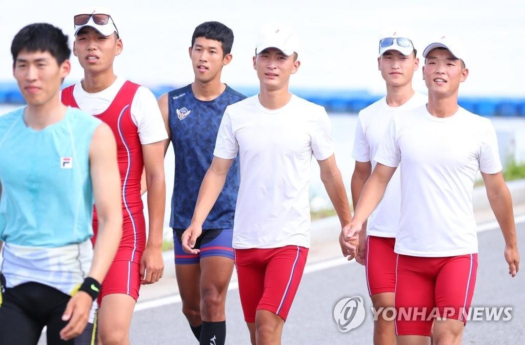 韩朝划艇联队首次在韩合训