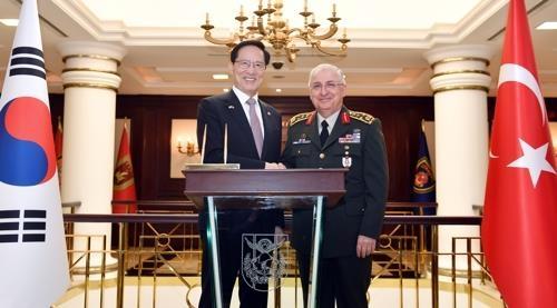 韩防长会土耳其总司令商讨军事合作