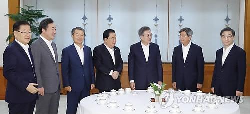 韩五大国家机关共商为民服务