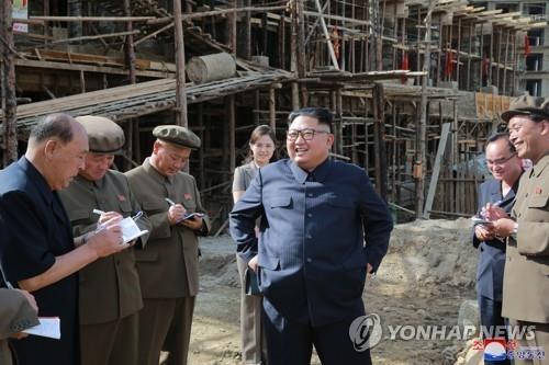 金正恩赴北部城镇视察 提及国际制裁引关注