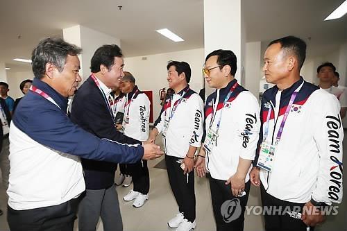 韩总理李洛渊看望韩国亚运军团