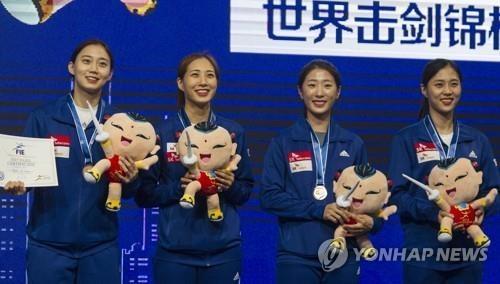 亚运女子佩剑团体赛韩国夺金