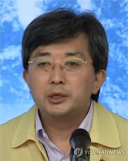 韩国气象厅预报局长俞熺东(韩联社/韩联社TV)
